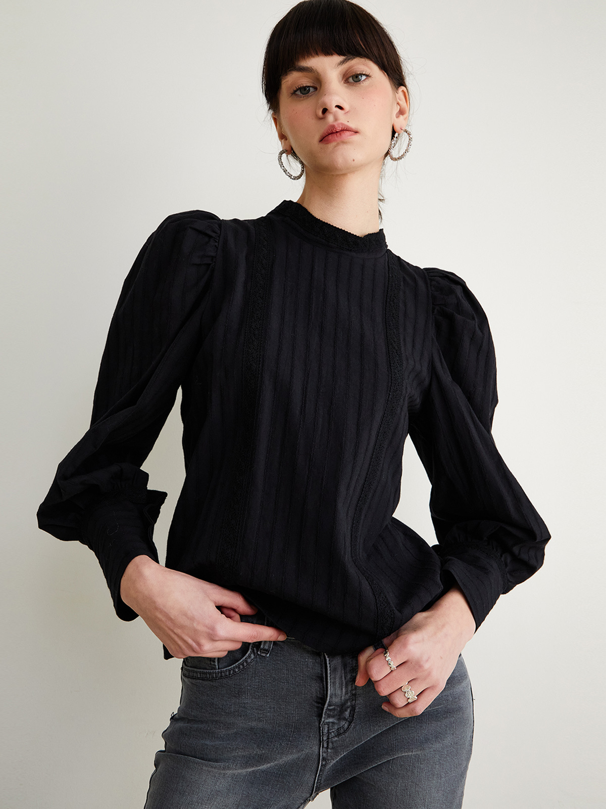 Gloria Puff Blouse_Black