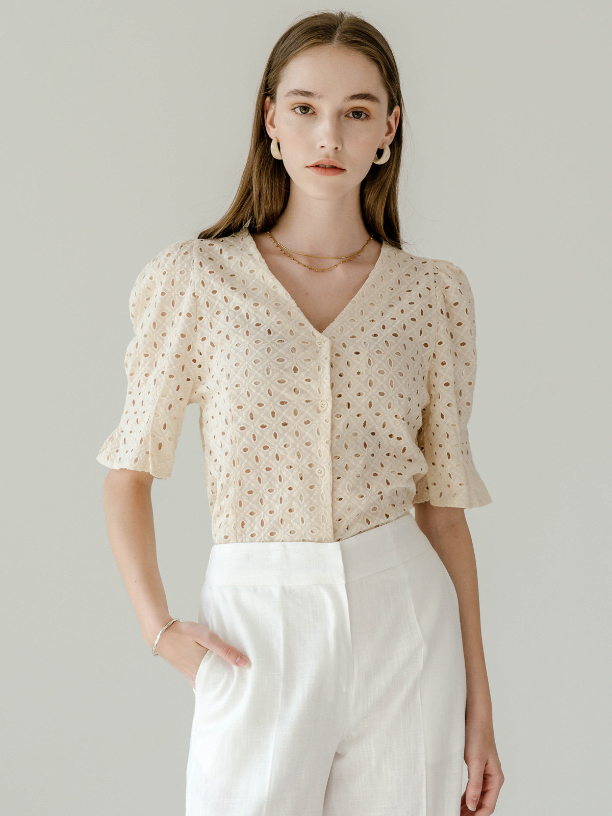 Jessica Eyelet Puff Blouse_Beige