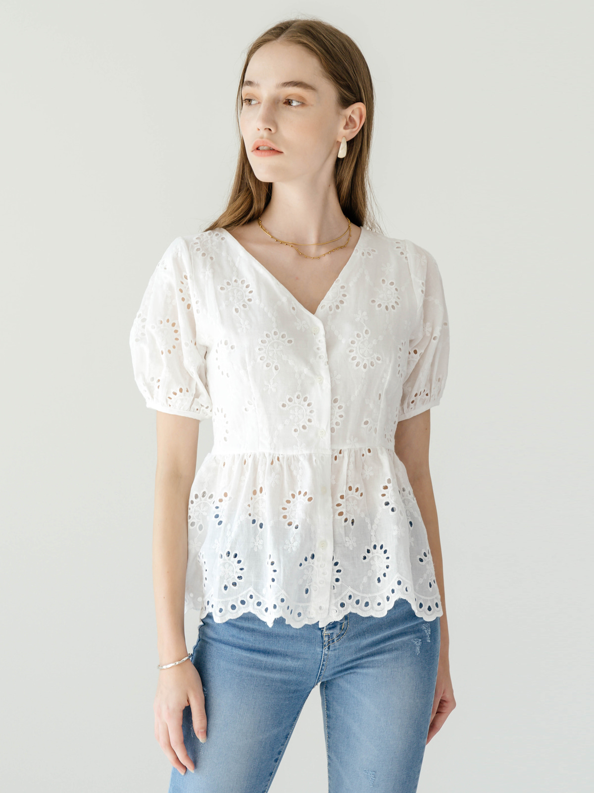 Noah Punching Lace Blouse_White