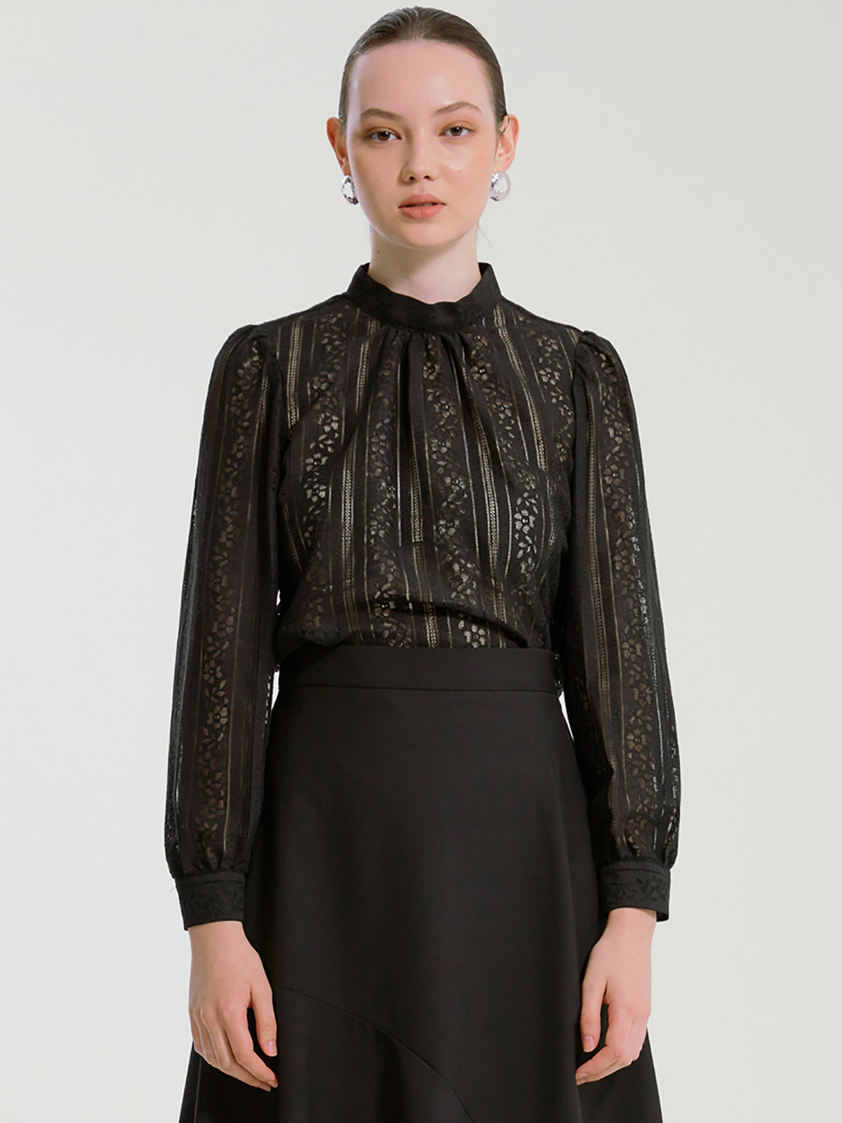 Gloria Punching Lace Blouse_Black